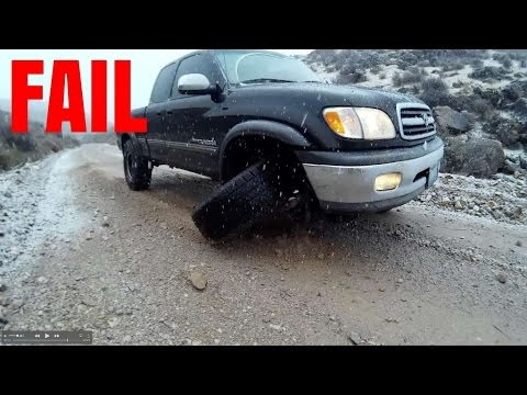 TIRE FALLS OFF WHILE DRIVING ON VIDEO - BALL JOINT FAILURE TOYOTA TUNDRA