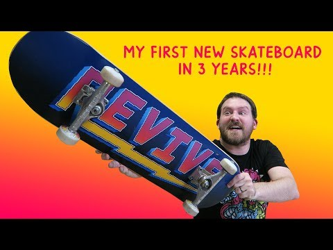 My first new Skateboard in 3 Years!!!