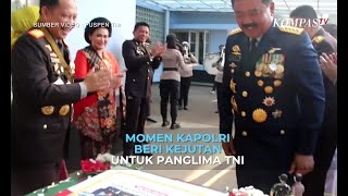 Momen Kapolri Beri Kejutan untuk Panglima TNI
