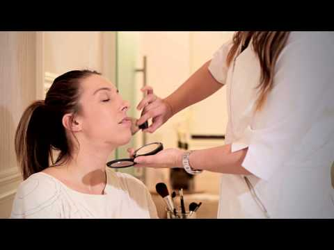 How to Apply Makeup With Sun-Damaged Skin : Important Skin Care Tips