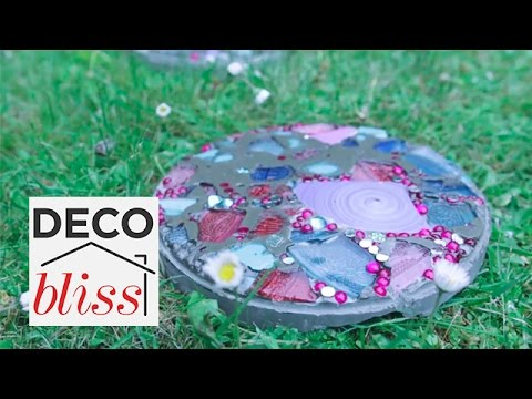 Mosaic Stepping Stones | Budget Backyard S1E5/6
