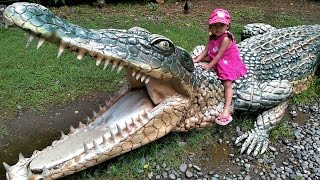 Outdoor Crocodile Park Zoo for Children - Family Fun Place - Donna The Explorer