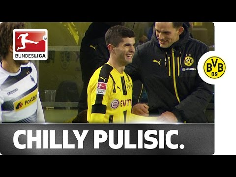 Funny Substitution - Tuchel Offers To Keep Pulisic's Hands Warm