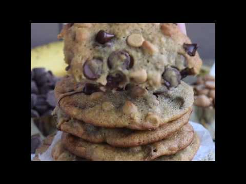 Got ripe bananas? These easy PEANUT BUTTER BANANA CHOCOLATE CHIP COOKIES