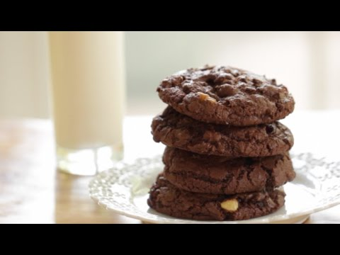 Beth's Double Chocolate Chunk Cookie Recipe | ENTERTAINING WITH BETH