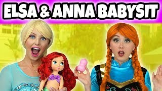 ELSA AND ANNA BABYSIT ARIEL'S BABY. (Can Ariel Stop Ursula?) Totally TV