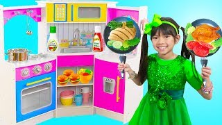 Download Emma Pretend Play w/ Restaurant Kitchen Buffet Dinner Party Kids Toys Video