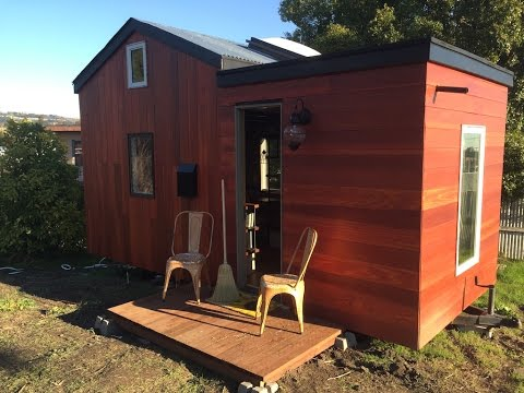 Rooftop Deck on This Designer Tiny House in Oakland, California
