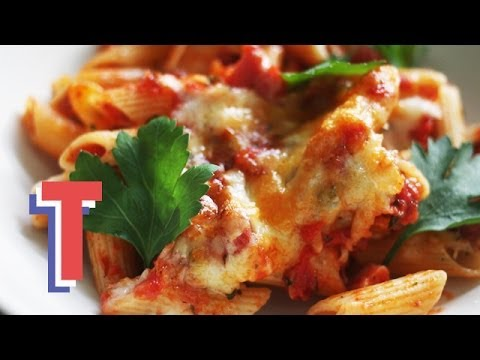 Tomato And Cheese Pasta Bake: Food Fest 3