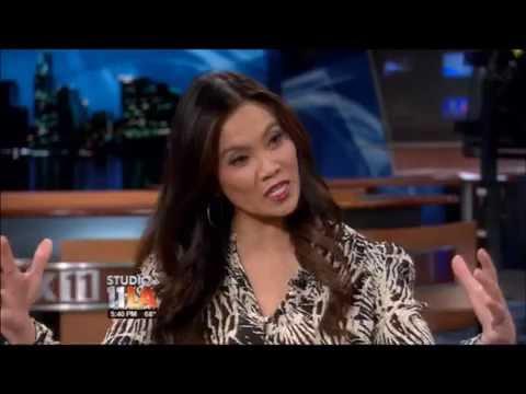 Dr. Sandra Lee Talks Dry Skin on Studio 11 LA  (11/22/12)