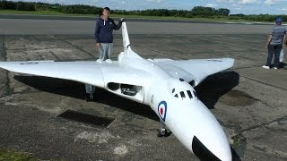 ONBOARD CAMS GIANT RC 1/5 SCALE AVRO VULCAN XH558 MARTIN WITHERS ELVINGTON LMA RC AIRCRAFT SHOW 2014