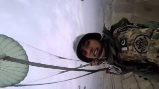 Pakistan army paratroper. Pakistani Airborn jump.