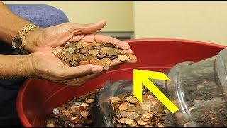 Man Cashing In Pennies He Collected For 45 Years Is Speechless At What The Bank Says
