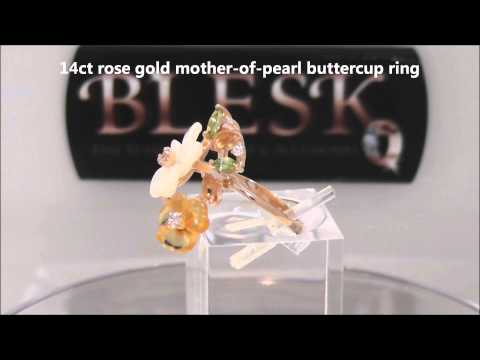 14ct ROSE GOLD MOTHER-OF-PEARL BUTTERCUP RING