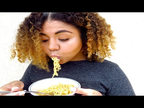 College Inspired Cook/ Eat With Me: Top Ramen and Salad