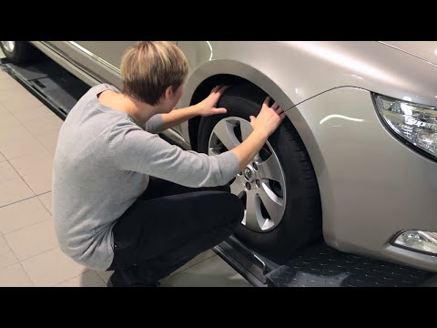 ŠKODA UK: How to check your tyre pressure