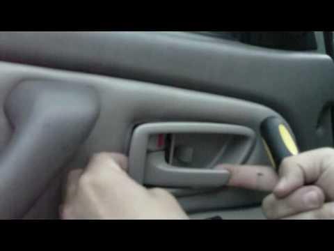 2003 Toyota Sequoia - Door Handle Removal
