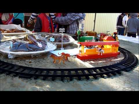 The Edible Train, or the Train Cake that Moved