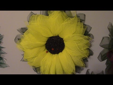 Carmen's Enchanted Daisy Wreath