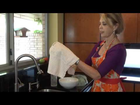 How to WASH AND STORE PARSLEY and CILANTRO to keep it fresh video: A tutorial by Brain Fuel Book