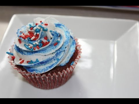 Red Velvet Cheesecake Cupcakes - A 4th of July Collaboration with CookedbyJulie and Yoyomax12