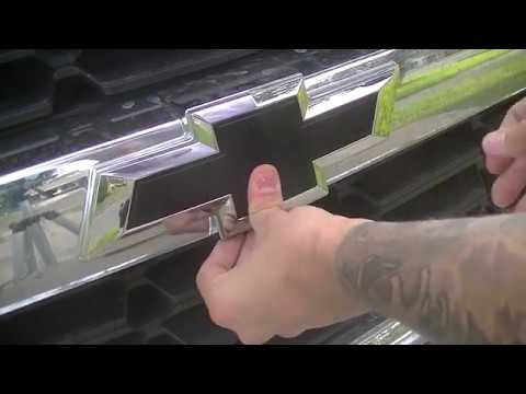 FAST 1 Minute Fix Front Bowtie Replacement On Chevy Silverado 2014 2015 2016 2017