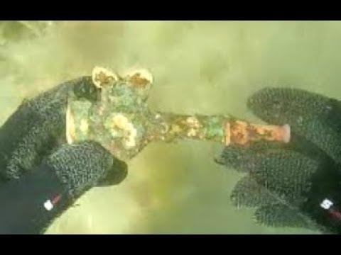 "Scuba Diving/Metal Detecting ""Rock Beach"" Day 3 w/ Detectorpro Underwater Detector"