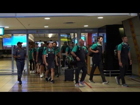 Australian cricket team arrives at Johannesburg airport