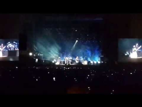 we don't run : Bon Jovi live in Tel Aviv
