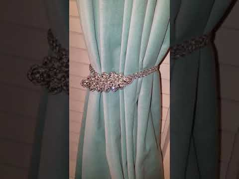 How to make Bling curtain tie back made with hair accessories.