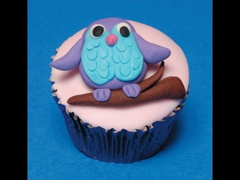 Make an easy sugarcraft owl for cake decorating