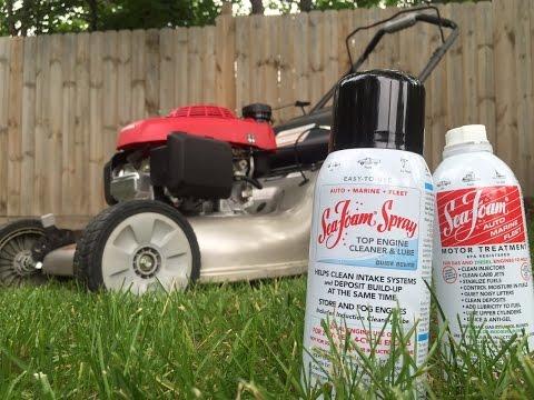 Adding Sea Foam to lawn mower fuel + intake cleaning with Sea Foam Spray