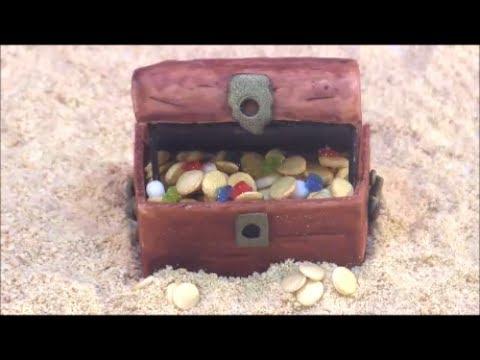 DIY Fondant Pirate Treasure Chest