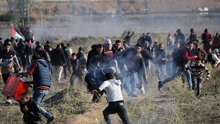 Palestinian protesters clash with Israeli troops in West Bank