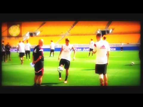 FIFA 15 ULTIMATE TEAM HACHIM MASTOUR AND STEVEN EL SHAARAWY FREESTYLE !!!!! HD