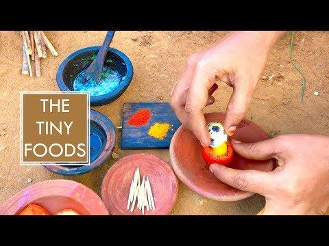 E20 | Egg Omelette In Tomato | The Tiny Foods