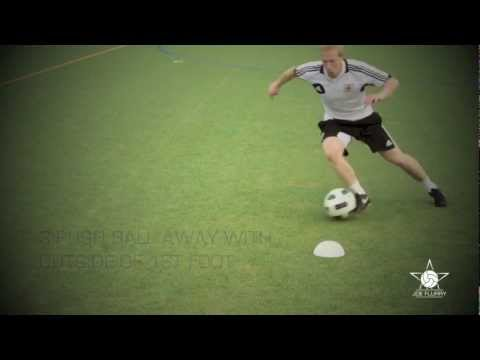 Learn how to do the Side Step Move - Football Soccer 1v1 Tutorial