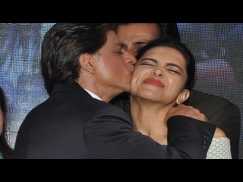 Shahrukh Khan KISSES Deepika Padukone in PUBLIC | Sharabi Happy New Year SONG LAUNCH