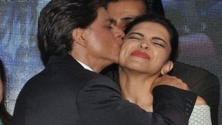Shahrukh Khan KISSES Deepika Padukone in PUBLIC | Sharabi Happy New Year SONG LAUNCH