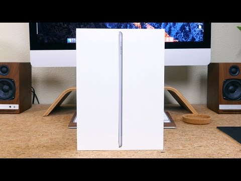 Apple iPad (2017) Unboxing and First Look