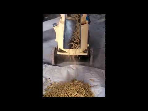 Small feed pellet machine working , it can make poultry feed , pig feed , organic fertilizer pellet