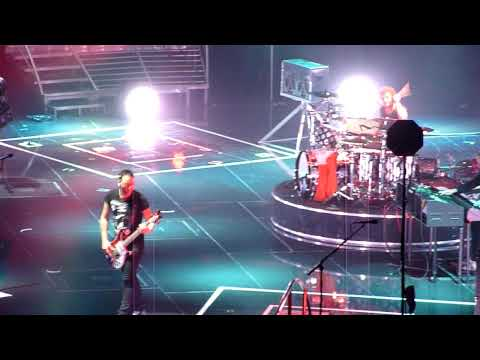 Muse, Map Of The Problematique/Supermassive Black  Hole, Dublin O2 Arena