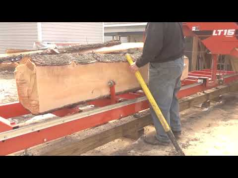 Cutting the white pine cant into 2x6 Boards with the LT15 woodmizer