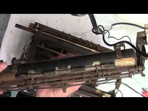 Typewriter tear down and rebuild Underwood