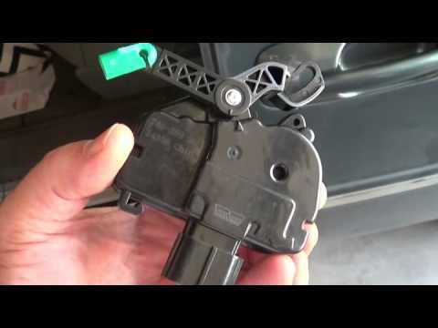 2005 T&C Electric Door Lock Actuator Replacement   Passenger Side Sliding Door