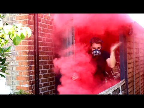 Boobytrap your bicycle: Transform water bottles into a smoke grenades