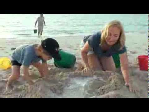 How to build a sandcastle, Jenny theSandCastle Girl_YT.mp4