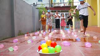 Kids Go To School | Chuns And Friends Have Fun Playing Water Balloon Games 2