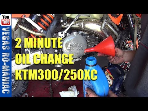 How much oil in a KTM 300 250 XC 2 Stroke - 0.8L - Don't Screw it up like I did! OIL CHANGE