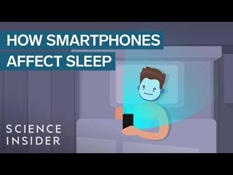 This is what happens to your brain and body when you check your smartphone before bed